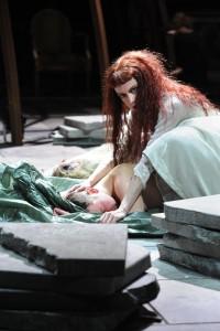 "Laura Sundermann als Kriemhild in Hebbels ""Die Nibelungen"" am Theater Bonn © Thilo Beu"