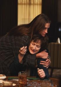 """Julia Roberts und Mery Streep (unten) in """"Im August in Osage County"""" © Tobis Film"""