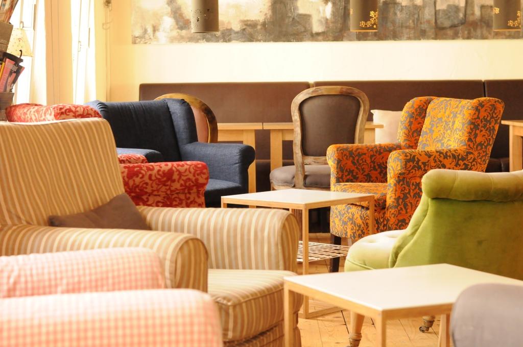 Mayras Wohnzimmer Sessel Im Ersten Stock Foto Stephanie Pletsch