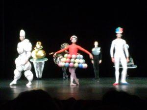 1-triadische-ballett-oskar-schlemmer
